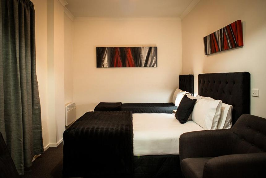 Euro Motel and Serviced Apartments - Property Photo