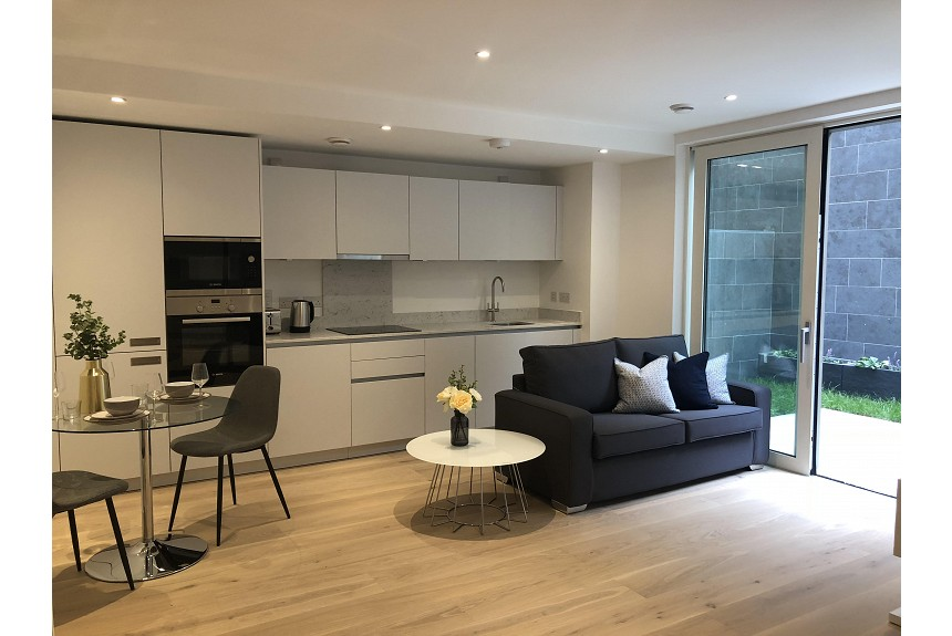 Emerson Court Studio Apartment - Kings Cross - Property Photo