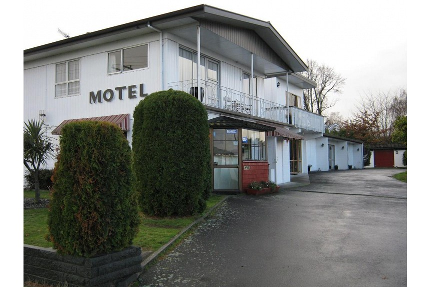 Adelphi Motel - Property Photo