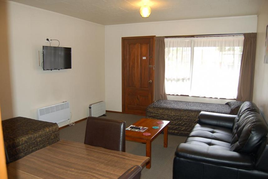 Carisbrook Motel - Property Photo