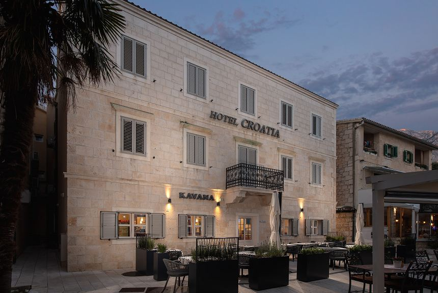 HOTEL CROATIA - Property Photo