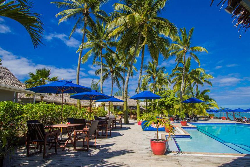 Manuia Beach Resort - Poolside