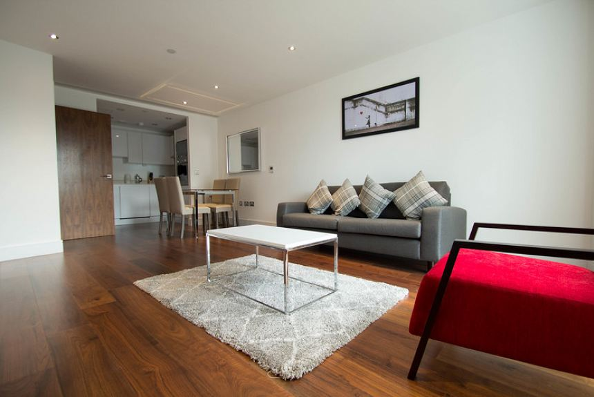Lincoln Plaza One Bedroom Apartment - Canary Wharf - Property Photo