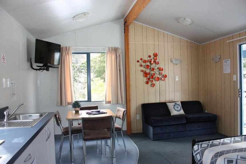 Queenstown Lakeview Holiday Park - Property Photo