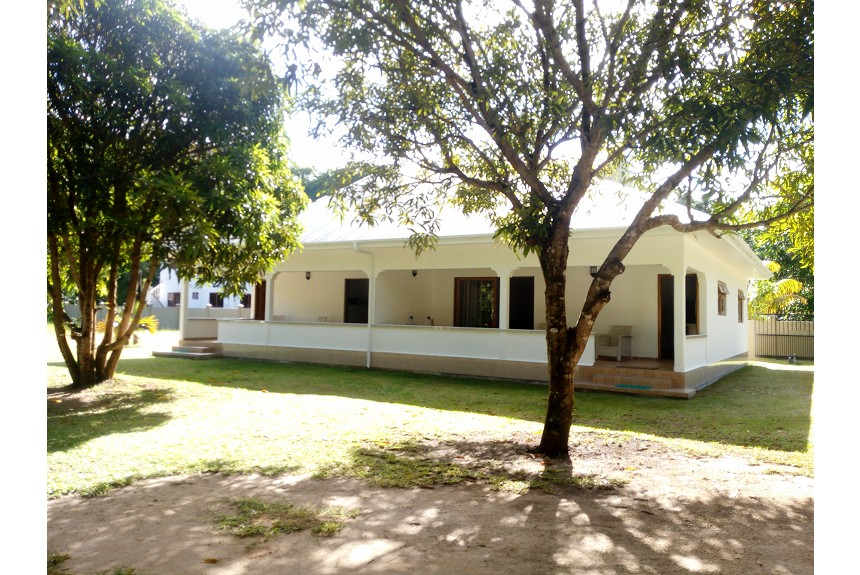 Lavigne Self Catering - @ Unit of One Bedroom Apartment