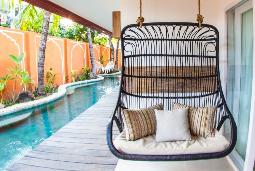 Pesona Beach Resort & Spa - Poolside Balcony