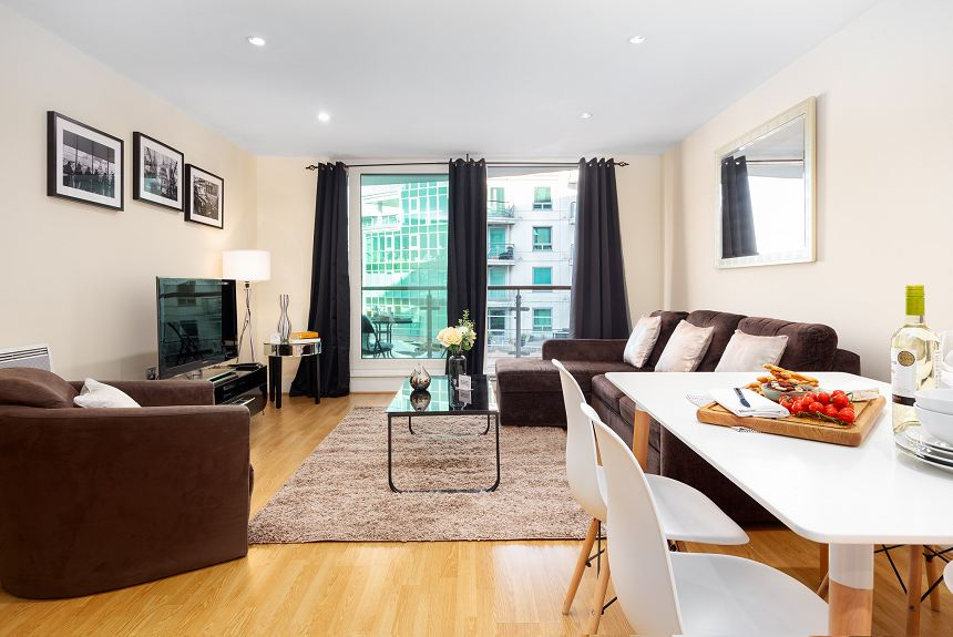 St George Wharf Serviced Apartment - Vauxhall - Property Photo
