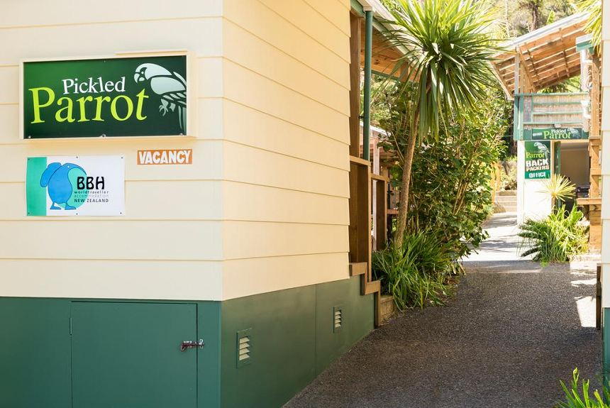 Pickled Parrot Backpackers - Property Photo