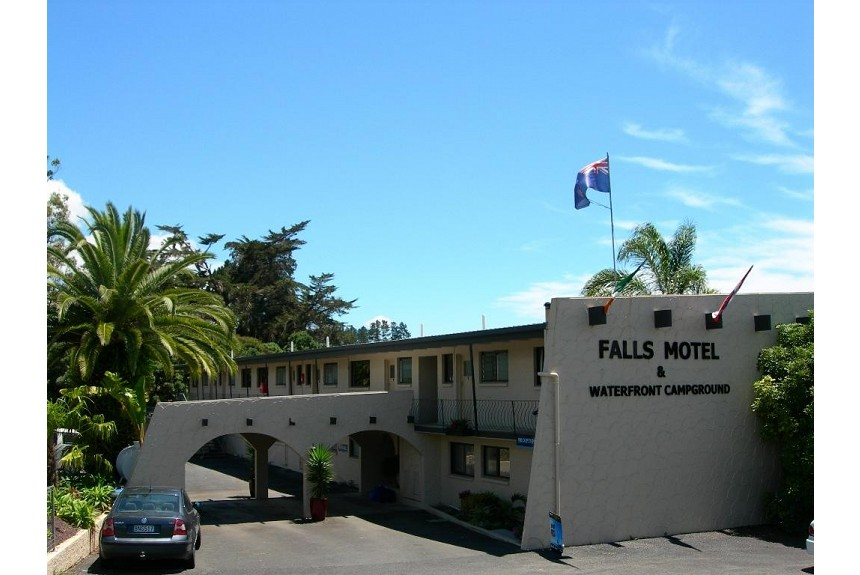 Falls Motel & Waterfront Campground - Property Photo