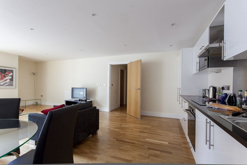 Lanterns Court One Bedroom Apartment - Property Photo