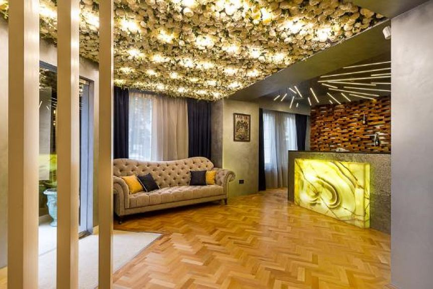 Venis Boutique Residence - Property Photo
